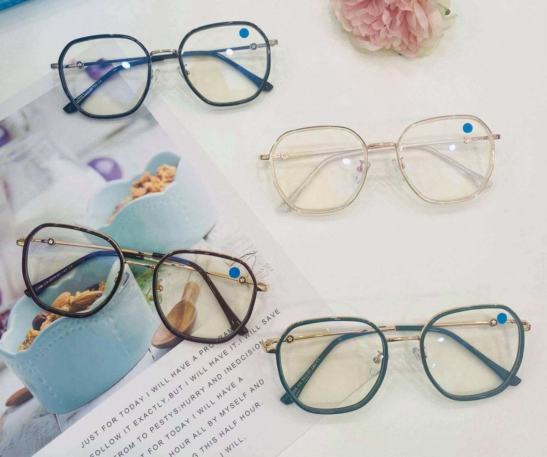 Hơn 1000 mẫu kính gọng thời trang giá rẻ, chất lượng